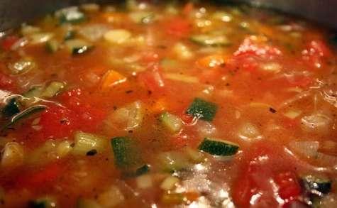 Soupe minestrone (Italie)