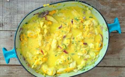 Poêlée de poulet, mimolette, courgettes, yaourt et lait de coco