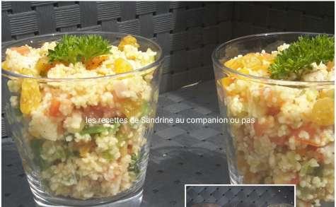 Taboulé facile fait maison à la menthe, poulet et raisin sec