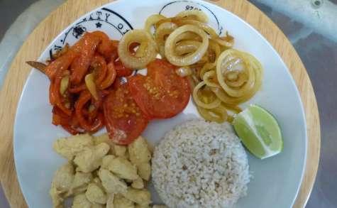 Poulet mariné aux poivrons et aux tomates