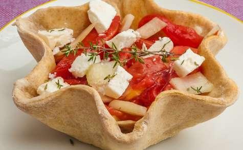Salade grecque en coque de pizza