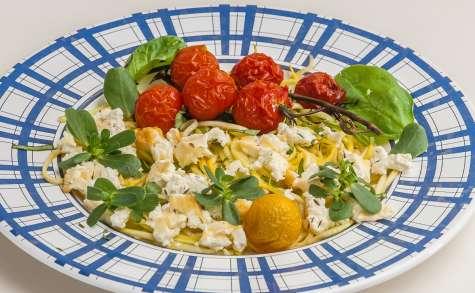 Spaghettis de courgette à la tomate et à la fêta
