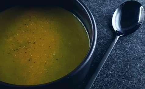 Soupe de cresson et brocoli au curcuma