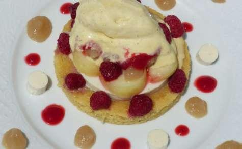 Dessert à l'assiette : pêche, framboise & amande