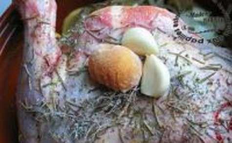 Épaule d'Agneau Aillée aux Herbes et son Lit de Pommes de Terre