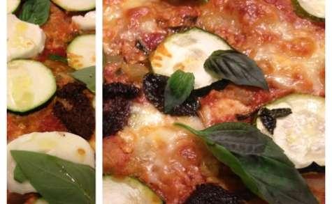 Pizza grecque au marlin, aubergines, courgettes, feta et basilic