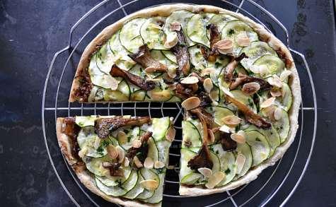 Pizza végétarienne courgette et confit d'oignon