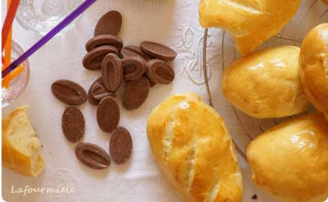 Petits pains au lait au chocolat
