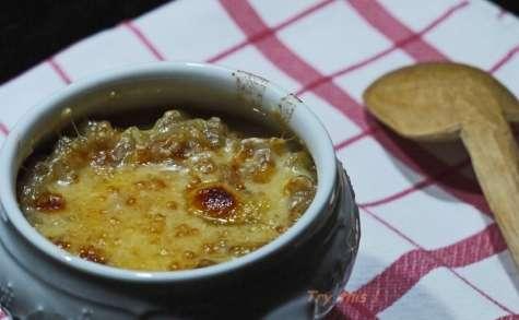 Soupe à l'oignon et haddock gratinée