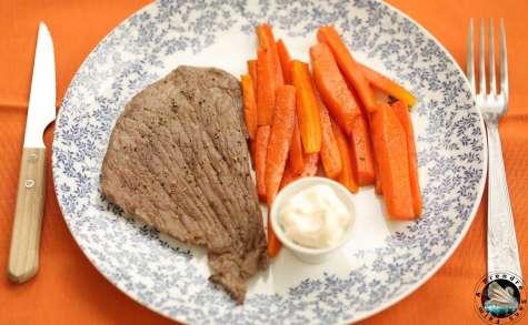Bifteck et carottes poêlées à l'aïoli