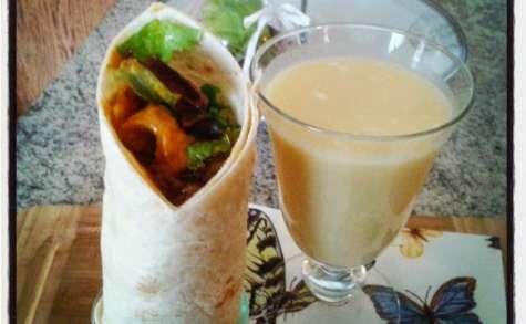 Wraps de poulet au curry et lassi à l'ananas coco