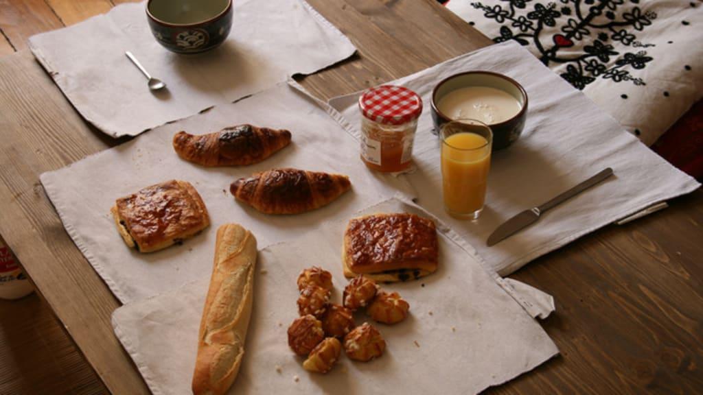 Table de petit déjeuner continental classique