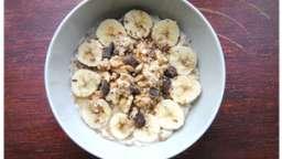 Porridge aux flocons de seigle, banane & chocolat