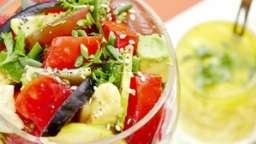 Salade écarlate aux 3 tomates