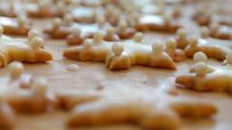 Biscuits de Noël au beurre, cacao et chocolat blanc