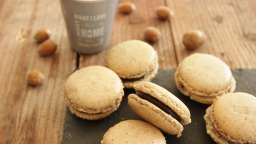 Macarons chocolat, coque noisette