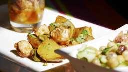 Fricassée de fèves, pommes de terre et poulpe