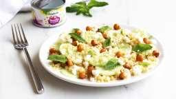 Salade fraîche de boulghour, concombre, pois chiche, feta et menthe