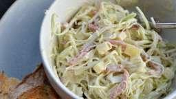 Salade de chou aux lardons et comté, sauce au yaourt