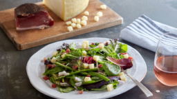 Salade d'asperges, fromage Asiago et Speck