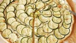 Tarte fine courgettes, basilic et pignons de pin