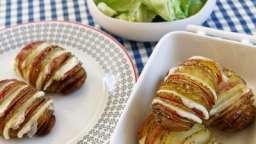 Pommes de terre rôties à la suédoise (Hasselback potatoes) au gouda et au bacon