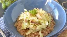 Boulgour de sarrasin au tofu fumé et chou vert