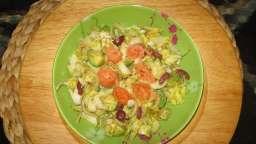 Salade d'endives à l'avocat et saumon fumé
