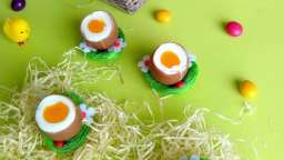 Oeufs à la coque en trompe-l'oeil pour Pâques