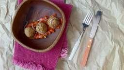 Boulettes de lentilles et sauce tomate épicée
