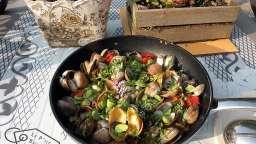 Coques, palourdes, chorizo, pasta