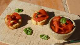Poivrons marinés à l'huile d'olive ail et basilic