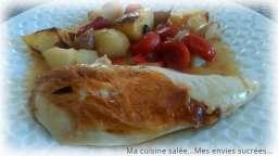 Poulet rôti - ails - tomates cerises - pommes de terre