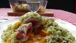 Roulés de veau farcis au jambon, mozzarella, tomates confites et râpé de légumes