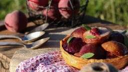 L'exubérante tarte pêche verveine de Claire Damon