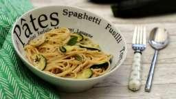 Spaghetti sauce crémeuse à la feta, oignon et courgette
