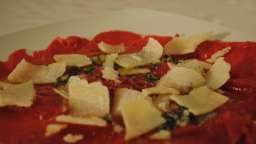carpaccio de boeuf basilic aux copeaux de Parmesan Reggiano