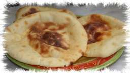 Le cheese naan, pain Indien au fromage