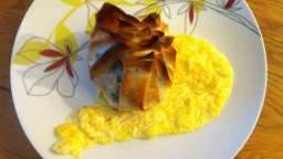 Aumônières de cabillaud aux épinards, sauce à l'orange