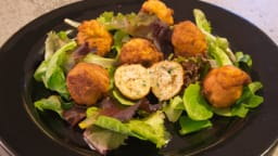 Beignets de poisson, crevettes et œufs de cabillaud