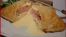 Feuilleté au camembert.