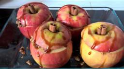 Pommes au four farcies avec de la cannelle et McVities