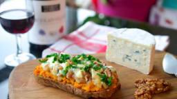 Tartines de potimarron au Bresse Bleu et son condiment poire gingembre