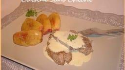 Médaillons de porc aux pommes et crème de camembert.