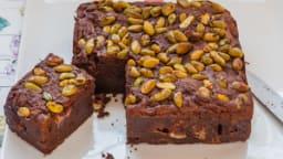 Brownies au chocolat, fraises et pistaches