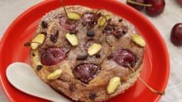 Clafoutis cerises, chocolat et pistache