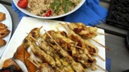 Mini-brochettes de poulet mariné citron-huile d'olive-cumin