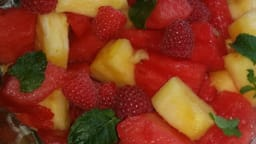 Salade de fruits frais au sirop de menthe
