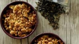 Crumble pomme, poire au miel et au thé vert