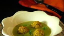 Boulettes de polenta et courgette, crème de courgette épicée